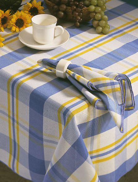 Tartan Is Used On Many Materials And Can Be Found Anywhere At Home, For  Example As A Table Cloth.